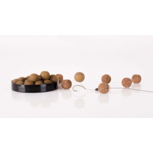Perfect slow sinking hookbaits to offset the weight of the hook when tackling rig shy carp. Using a carefully calculated ratio of Nashbait's Airball mix blended with base mix and elevated liquid additives, Wafters offer presentation options that trip up p